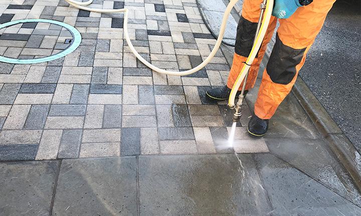 コンクリート掃除業者の高圧洗浄技術とは