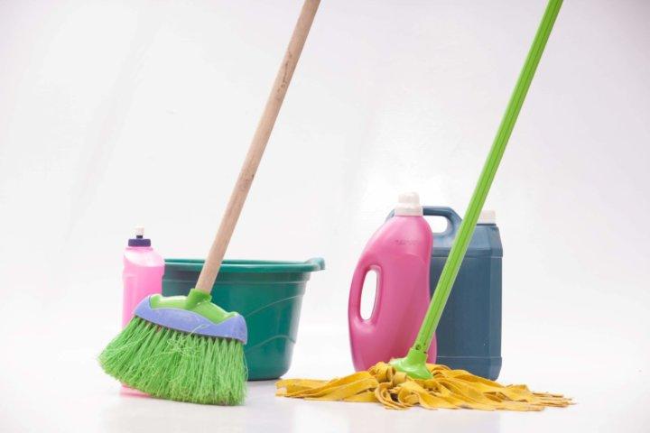 本格的なベランダの床掃除