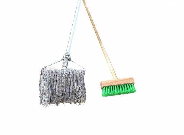 ベランダの床掃除の手順