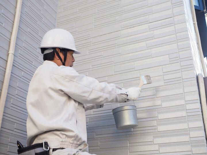 剥離剤を用いた外壁塗装の剥がし方